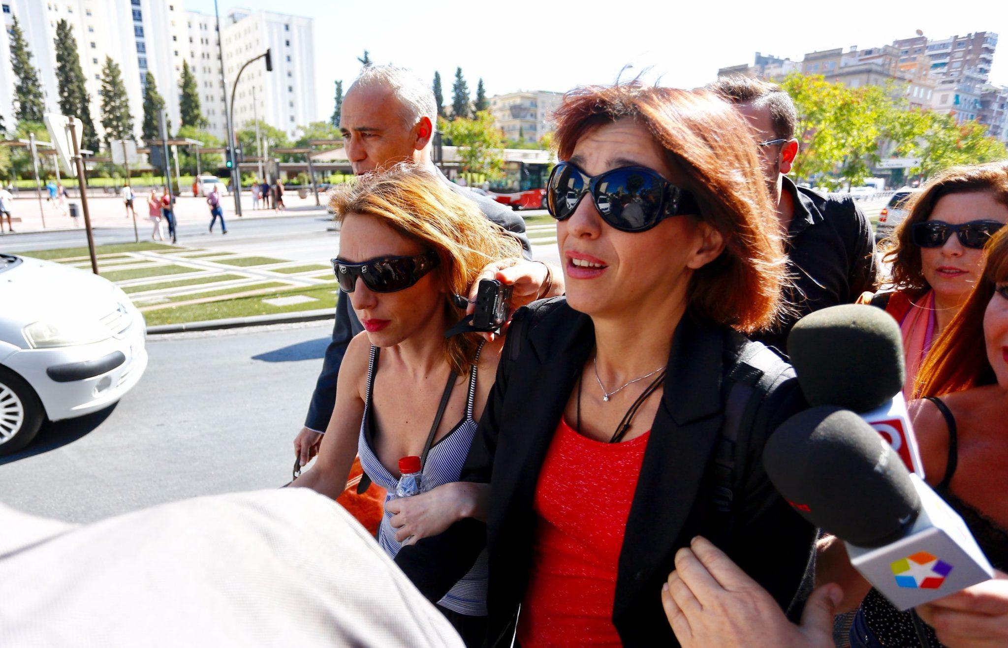 Juana Rivas, a su llegada a los juzgados de Granada | EP