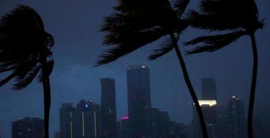 Irma toca Florida con vientos de más de 200 kilómetros por hora