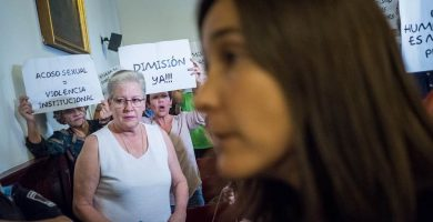 Ni Mónica Martín salva a Zebenzuí del repudio municipal lagunero