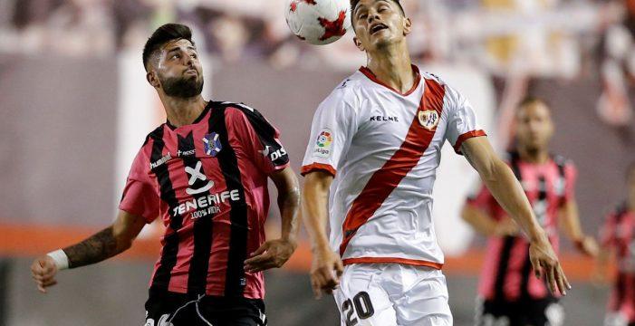 El Tenerife arrolla al Rayo Vallecano (0-3) y pasa la eliminatoria copera
