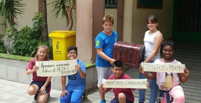 La defensa de un mar limpio, mensaje prioritario del baúl escolar que cruzará Canarias