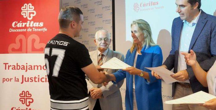 Caritas y Endesa forman a desempleados en cursos de electricidad y telecomunicación