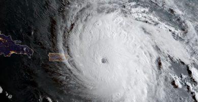 Irma toca Florida con vientos superiores a los 200 kilómetros por hora