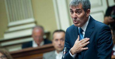 """Clavijo asegura que """"no entra en mi planes"""" dimitir por el caso Grúas"""