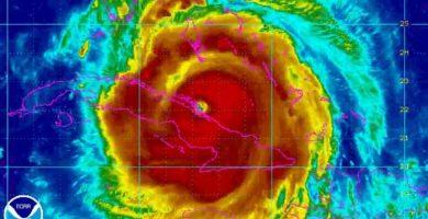 El huracán 'Irma' se fortalece tras pasar por Cuba camino a Florida