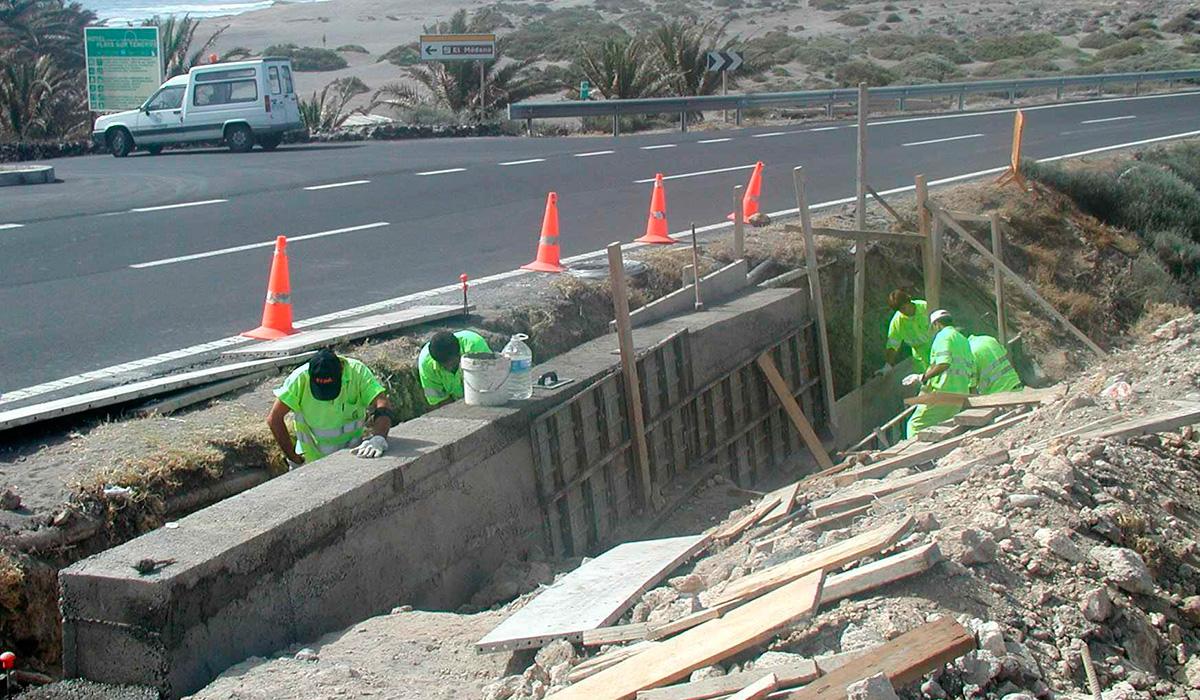 Imagen de una obra anterior en la carretera de acceso a El Médano.