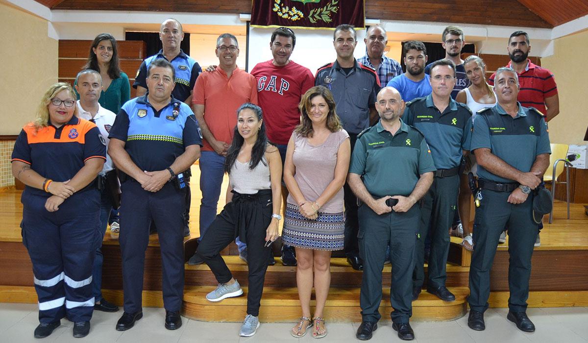 Miembros del dispositivo de seguridad celebran un encuentro para ultimar el operativo. DA