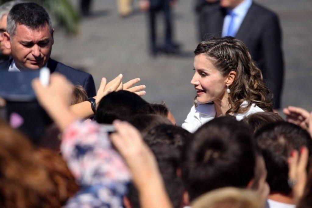 Doña Letizia visitó Tenerife el pasado mes de abril y, entre otros aspectos, conoció varias instalaciones de la Universidad de La Laguna. Andrés Gutiérrez