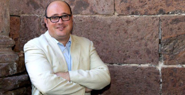 Clamoroso caso Zebenzuí: un mes después sigue de concejal