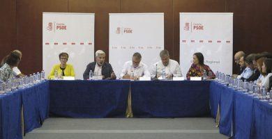 Primera reunión de la ejecutiva del PSOE de Canarias surgida del décimo tercer congreso regional, ayer en Las Palmas de Gran Canaria. DA