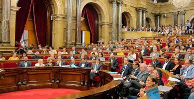 En vivo | Tensión en el Parlamento catalán por la ley del referéndum
