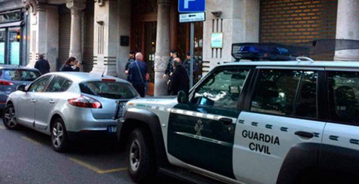 Doce detenidos por la Guardia Civil en varias sedes de la Generalitat