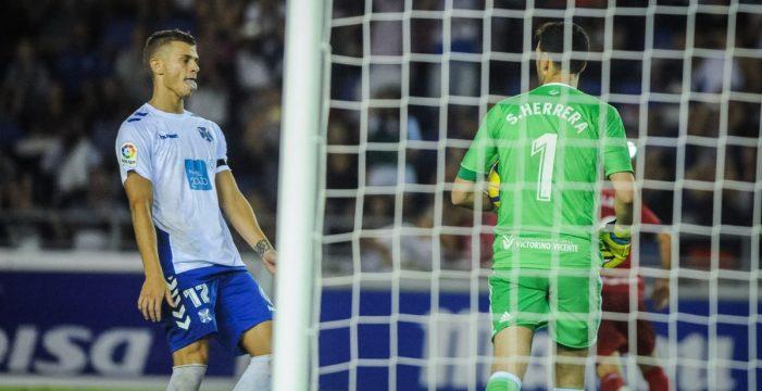 Otra vez, el CD Tenerife se tropieza con el portero rival