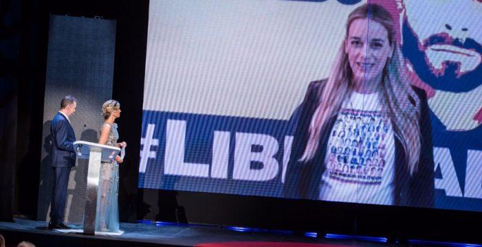 Tintori agradece en un vídeo a Diario de Avisos el Premio a su marido Leopoldo López