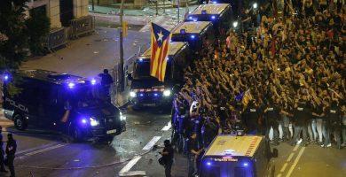 Una de las concentraciones para acosar a los agentes en Cataluña.