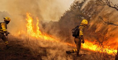 Al menos tres muertos en los incendios que asolan distintos puntos de Galicia