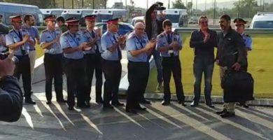 Unos 400 agentes ovacionan a Trapero en el complejo central de los Mossos