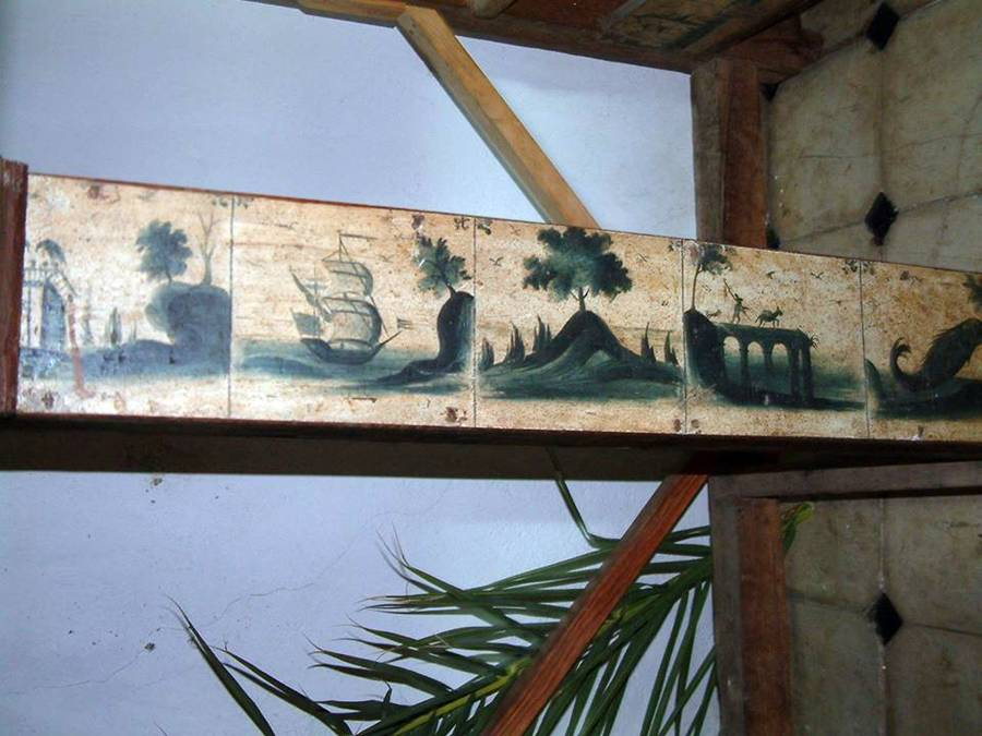 Hallan una especie de muestrario de azulejos de delft en for Muestrario de azulejos