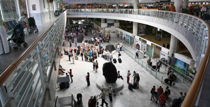Detenidas en Lanzarote cuando iban a volar a Reino Unido con pasaportes falsos