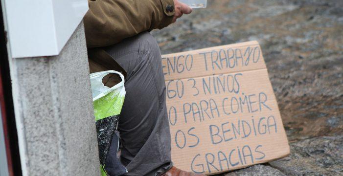 Casi uno de cada tres españoles se encuentra en riesgo de pobreza