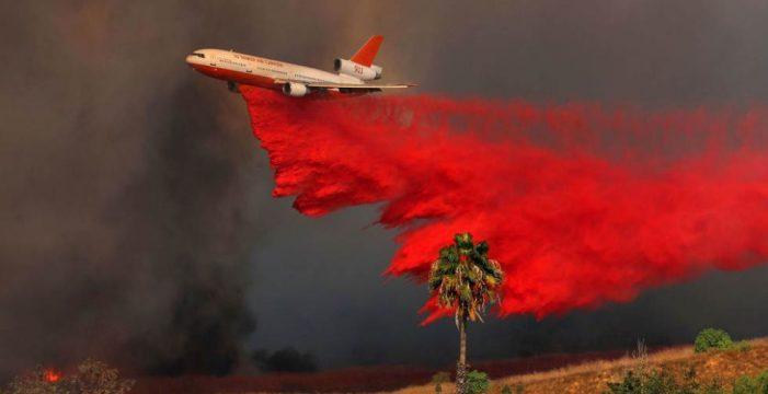 Al menos diez muertos y 20.000 evacuados por una quincena de incendios forestales en California