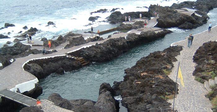 Las piscinas naturales del Caletón tendrán baños públicos el próximo verano
