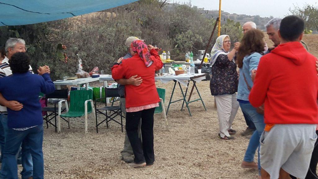 Los recuerdos de los antepasados, baile y comidas tradicionales como el frangollo y la chafeña sirvieron para celebrar la llegada de San Francisco de Asís a Fuente Nueva. DA