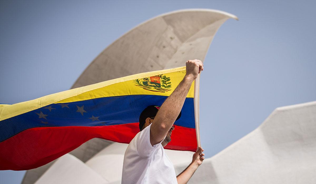La comunidad venezolana en el Archipiélago es de las más numerosas que existe en todo el mundo, debido también a los estrechos lazos históricos. Andrés Gutiérrez