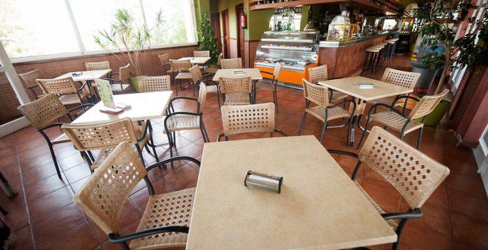 Bocadillos y cafés con vistas de lujo