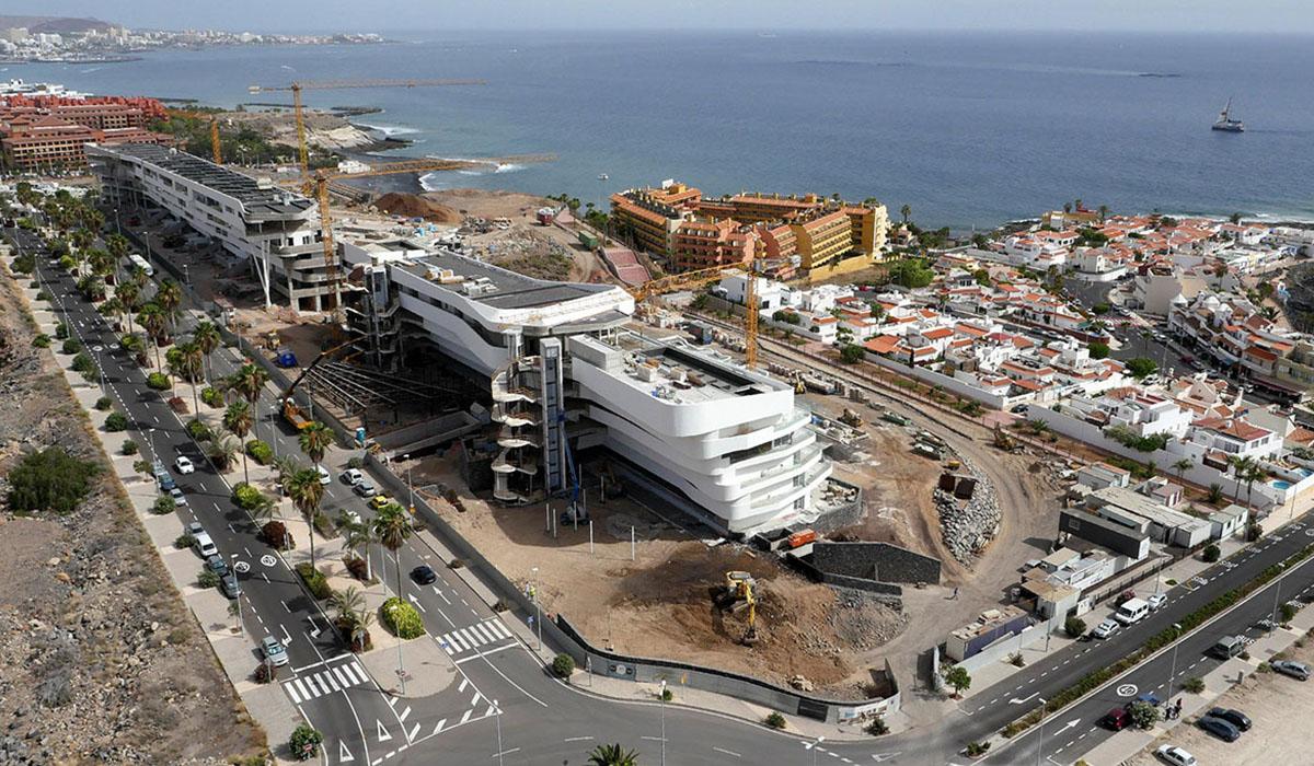 Hotel de lujo en construcción en La Caleta, en el municipio de Adeje. DA