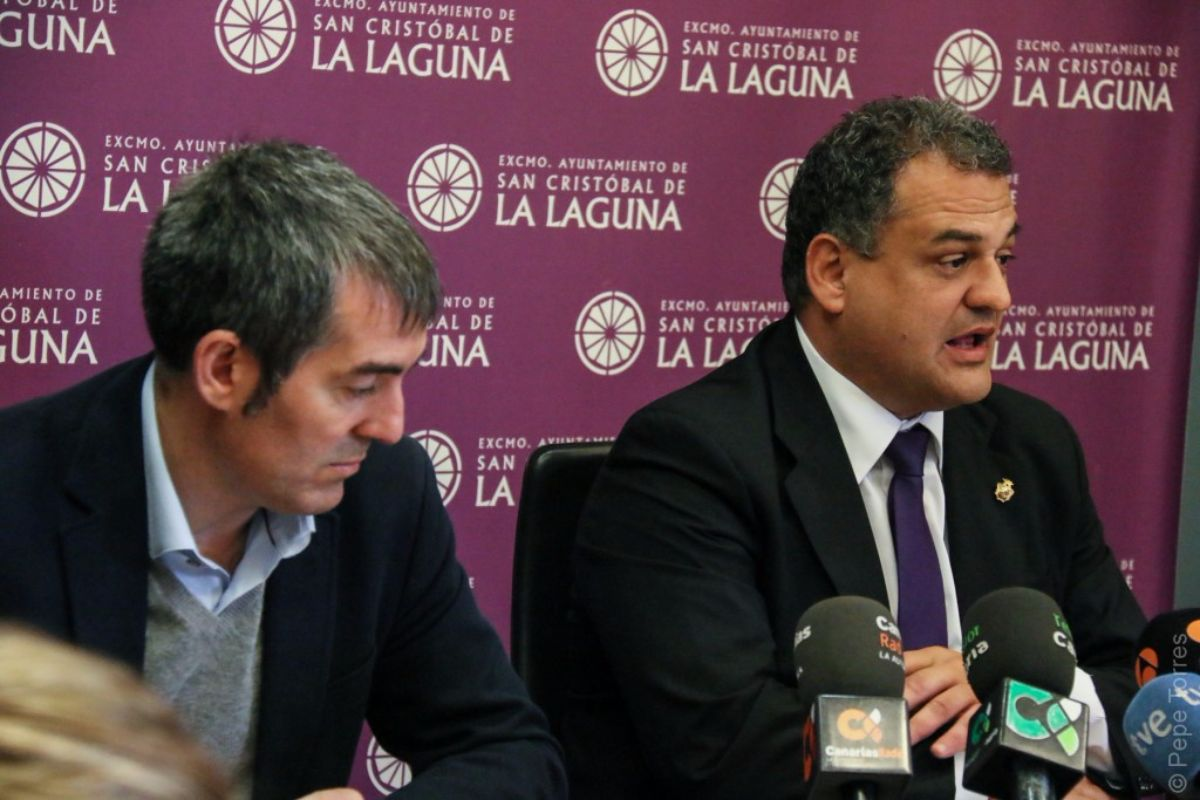 Fernando Clavijo y José Alberto Díaz, ya como presidente del Gobierno de Canarias y alcalde de La Laguna, respectivamente. DA