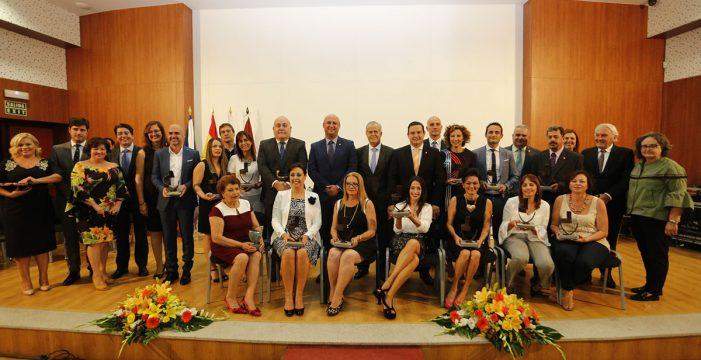 El juez Nelson Díaz Frías recibe el Gánigo de Honor