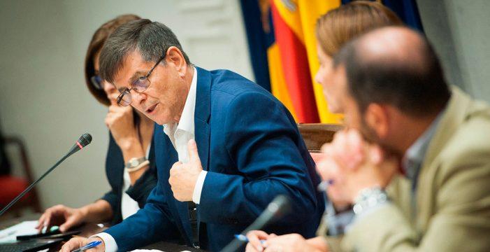 """El Gobierno regional se escuda en que """"la pobreza es un problema planetario y no solo de Canarias"""""""