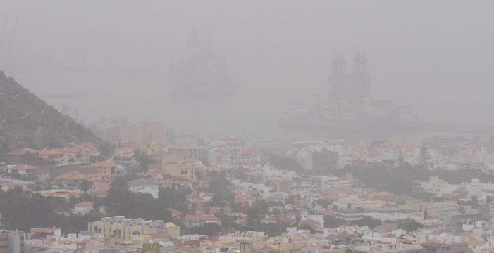 Tras las lluvias del fin de semana, vuelve la calima a Canarias