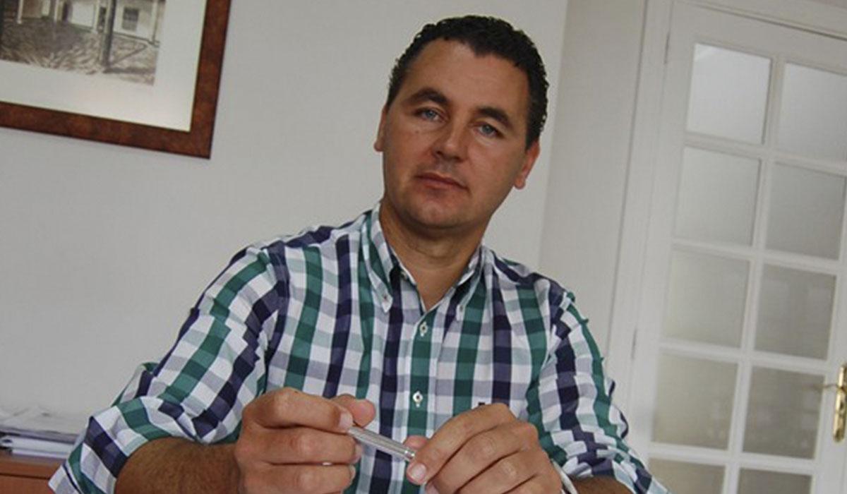 Andrés Martínez, reelegido como presidente local del PP en Arico. DA