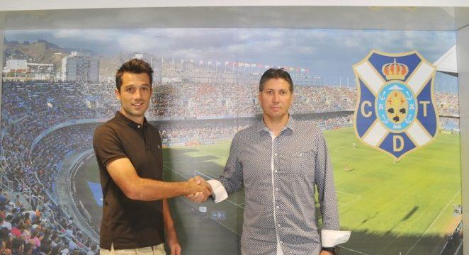 Aitor Sanz renueva con el Tenerife hasta junio de 2019