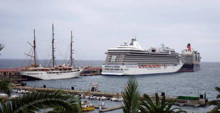 La Isla bate récord este año de turistas en cruceros