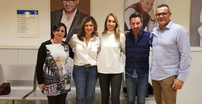 Luisa Castro se vuelve a llevar a medio centenar de vecinos a Madrid y Sevilla