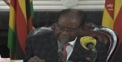 Mugabe acepta dimitir tras pactar con los golpistas su inmunidad y la de su mujer, según la CNN
