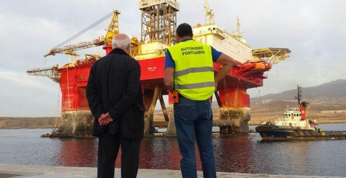 Llega la primera plataforma al puerto de Granadilla