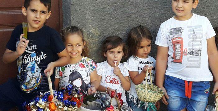 Ni truco ni trato; en San Juan de la Rambla se celebra 'Los Santitos'