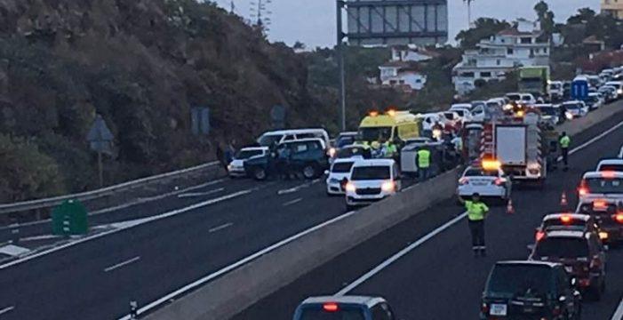 Un coche atraviesa la mediana en la TF-5 y cinco mujeres resultan heridas