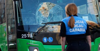 Herido grave tras ser atropellado por una guagua en Santa Cruz de Tenerife