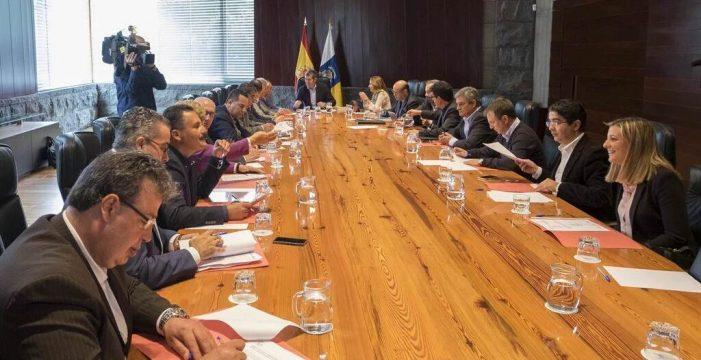 Solo tres ayuntamientos canarios superan el 50% en transparencia