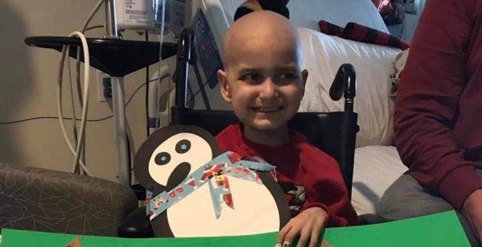 Miles de personas cumplen el último deseo de un niño con cáncer terminal