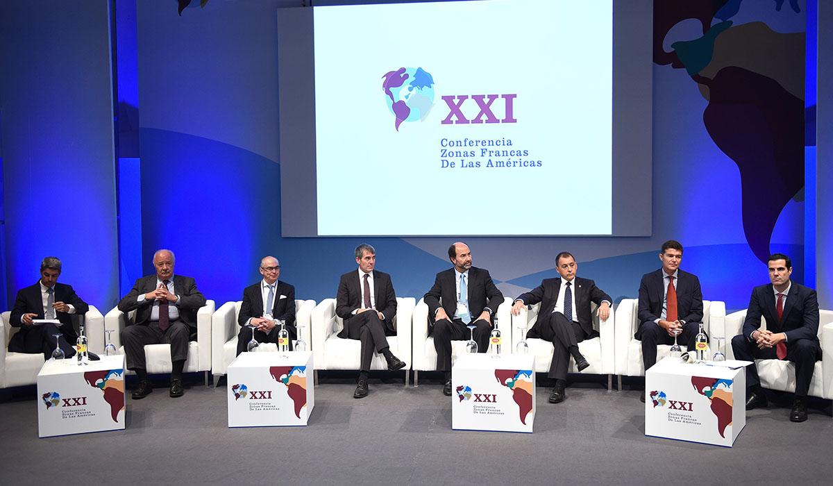 Imagen de los asistentes a la inauguración del Congreso que se celebró en el Auditorio de Tenerife. Sergio Méndez