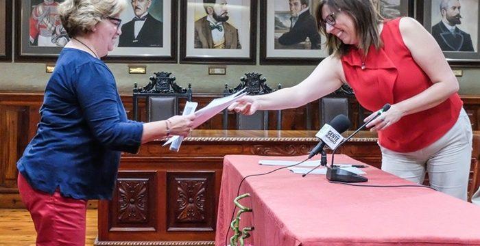 Entregan la propiedad de 11 viviendas de San Valentín tras medio siglo de gestiones