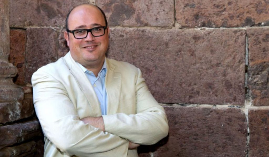 Zebenzuí González ni siquiera asiste a los plenos municipales, pero se niega a dimitir. DA