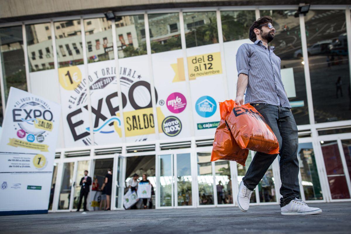 La XXI edición de la feria Exposaldo cierra hoy sus puertas y se estima que más de 50.000 personas habrán pasado por los más de 10.000 metros cuadrados de exposición. Andrés Gutiérrez