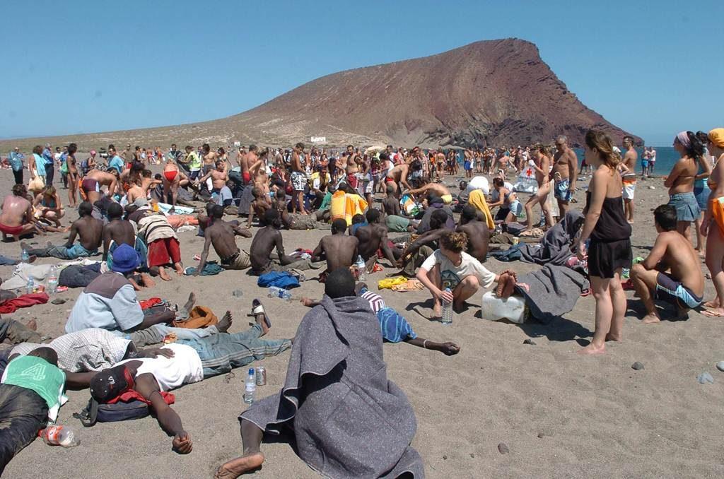 Vuelven las pateras y los cayucos desde la costa africana a Canarias?